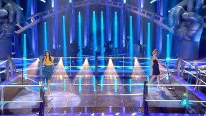 Sahra Lee y Vanessa Forti en el escenario de 'La Voz'