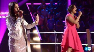Lieta Molinet y María Cucarella cantando en 'Las batallas' de 'La Voz 4'