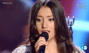 María Jaraiz canta 'People help the people'