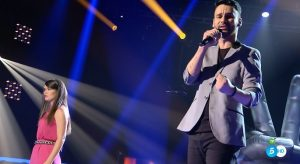 Manu y Eli cantan 'Te despertare' de Pastora Soler
