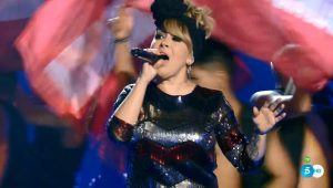 Suzanna Abellán canta 'Hey Mama' en 'Los directos'