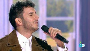 Carlos Torres canta 'Corazón hambriento'